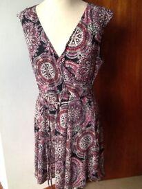 ❤️⚫️💄Billie & Blossom stretch dress size 18