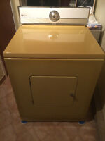 Dryer / Secheuse Maytag Works Great Cheap very Clean