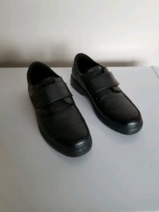 Arthritis orthopedic shoes size 11