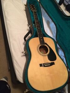 Yamaha acoustic guitar great condition with case