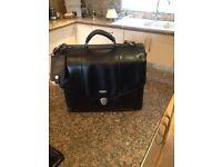 Tech air genuine leather laptop briefcase