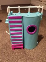Poolside doll toy (Polly pocket)
