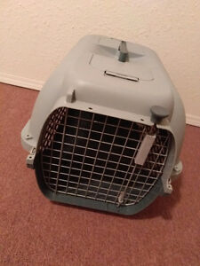 Small to medium size cat/dog carrier