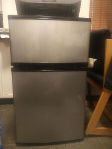 "[Used] Insignia 20"" 3.0 Cu. Ft. Top Freezer Compact Refrigerator"