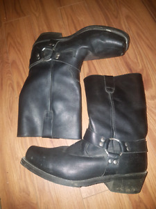 Motorcycle cruiser boots