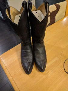 Leather Ladies Western Style Boot Size 6 1/2 Black