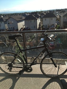 Gently Used Black Devinci Milano