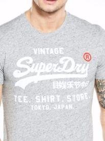Mens large superdry tshirt