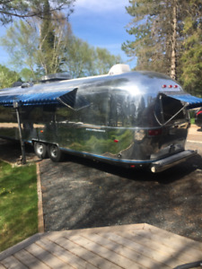 AIRSTREAM  TRAVEL TRAILER $33,500 OBO