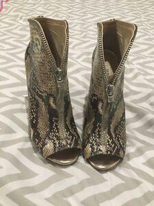 Guess stilettos/heels. Stunning, size 9.5. Frankston Frankston Area Preview