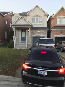 Luxurious Detached Home-4BR Bathurst&Rutherford,Thornhil-Vaughan