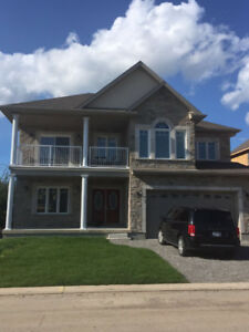 beside Casino/golf course at niagara falls, 1 master bedroom/WR