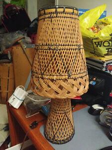 Vintage wicker table lamp London Ontario image 2