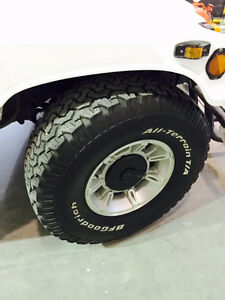 Hummer H1 Or hummer H2  Rims and tires 37' Priced to Sell!!