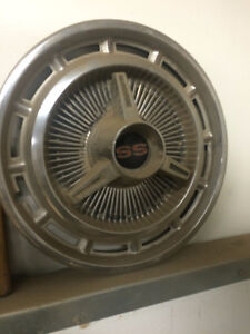chevy ss hub cap 14 inch London Ontario image 2