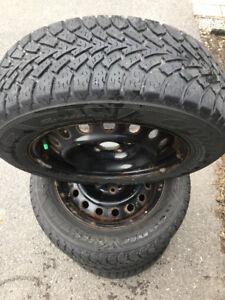 4 pneus d'hiver Toyota Camry 215/60r16