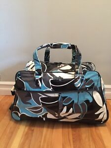 LARGE ROXY ROLLING SUITCASE