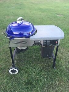 Deluxe weber charcoal bbq