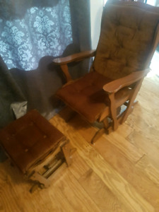 Rockin chair and ottoman