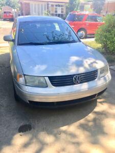 Volkswagen Passat 1.8T (2001). À vendre au plus vite.