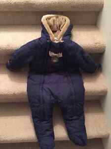 Like new snow suit