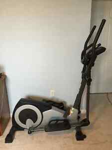 Weslo Momentum CT6.2 Elliptical Trainer Great Condition $200 OBO