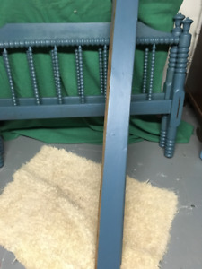 Antique Spindle Bed For Sale