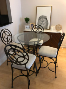 Modern hightop dining table and chairs- $200 or best offer