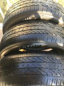 4 pneus d'été Bridgestone 235 55 20