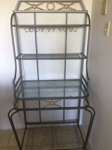 Metal/Glass Wine Rack
