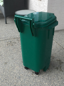 Small Outdoor Garbage or Recycling Bin
