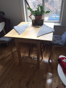 ikea kitchen table and 2 chairs- 100$