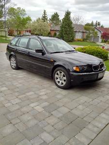 2002 BMW 3-Series Wagon   Very low km