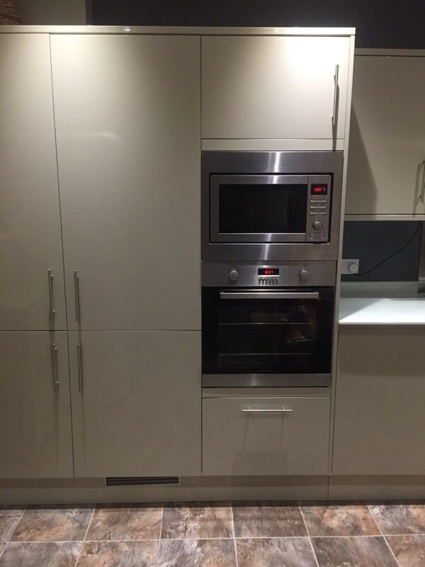 Integrated Microwave Oven With Grill Lamona
