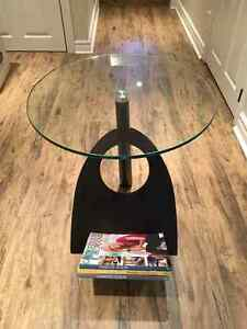 Designer end/side or accessory table London Ontario image 2