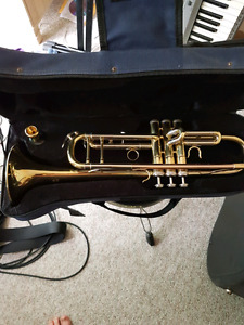 Mirage trumpet and case