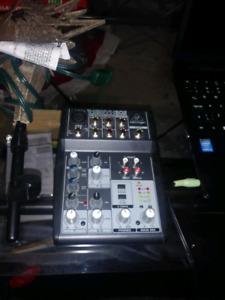 Une console marque xenyx 502