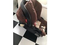 Graco 0+ baby car seat with base.