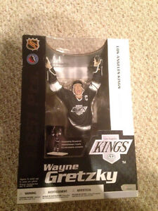 "Limited Edition Wayne Gretzky L.A. Kings NHL 12"" McFarlane London Ontario image 1"