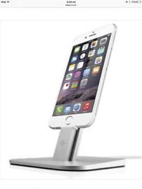 iPad/ iPhone docking station/stand