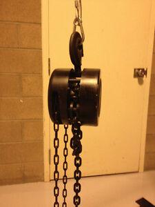 1 1/2 Ton 20' Chain hoists w/chain bags (4 units)