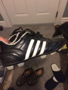 Adidas soccer shoes size 5