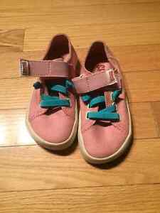NEVER WORN Size 9.5T Camper Shoes