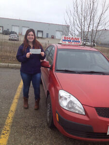LADY DRIVING INSTRUCTOR WITH AMAZING PASS RESULTS, $35/HR Kitchener / Waterloo Kitchener Area image 1