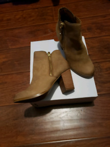 Aldo NAEDIA! Like new only worn once! Size 6.5 US