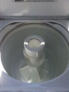 MAYTAG  H/D  WASHER  THE GOOD ONE NOT PERFORMA !!