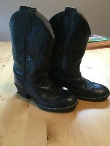 EUC - Black Leather - Old West Cowboy boots - toddler size 11