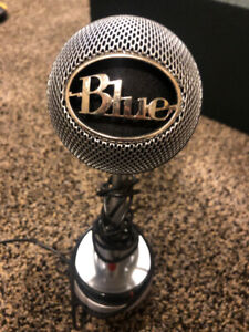Blue Nessie Microphone and microphone stand