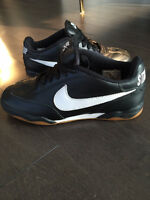 """Pre-Owned Like new Nike Sb low Black Special E """"stand up"""" size 9"""