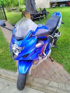 SUZUKI GSX650F 2008 GREAT BEGINER BIKE WITH ONLY 9360 KM ON IT Windsor Region Ontario image 7